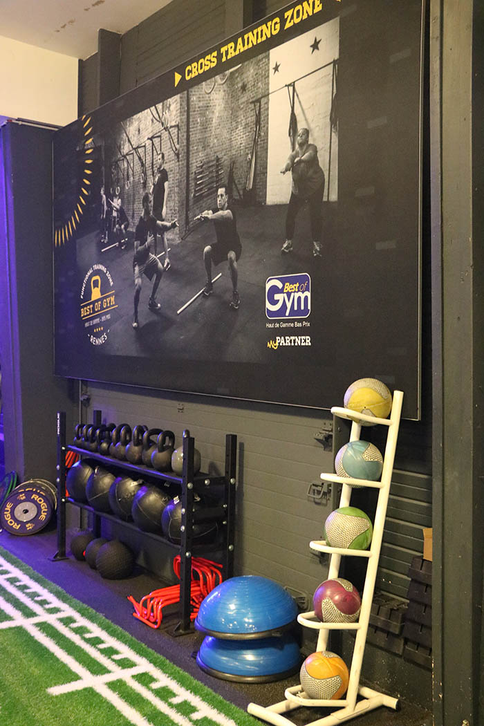 Cross Training poids : medicine balls, kettlebells, haltères